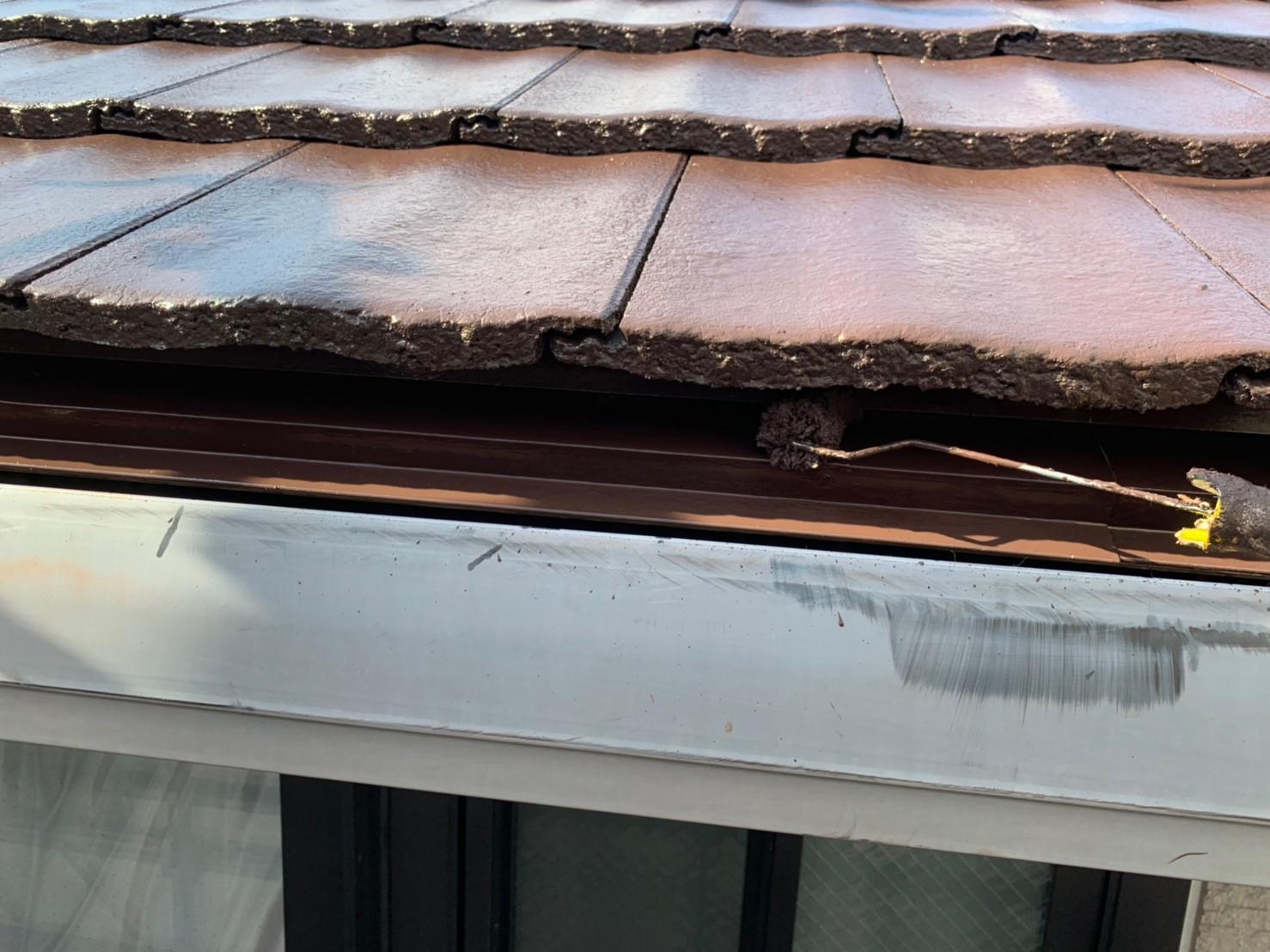 屋根の唐草板金の上塗り