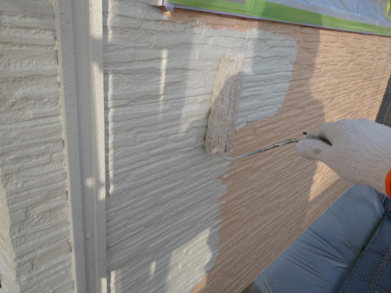 窯業系サイディングの上塗り1回目