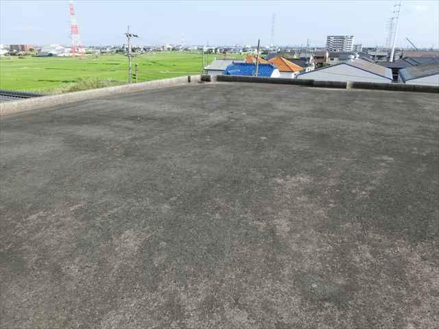 愛知県津島市にてマンション屋上防水前の洗浄を行いました