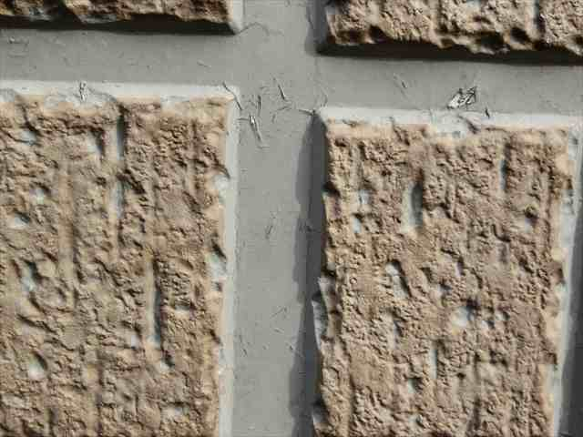 外壁塗膜のひび割れ