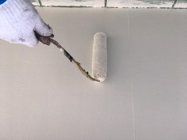 軒裏の塗装2回目