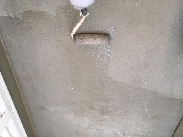 防水のプライマー塗り