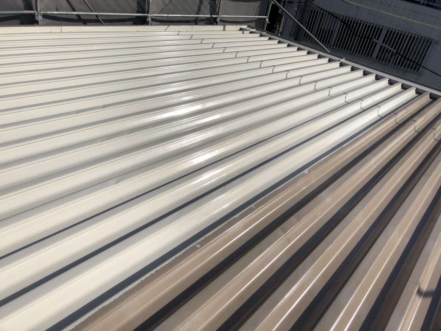 折半屋根の塗装