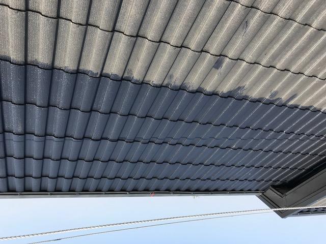 屋根塗装の上塗り1回目