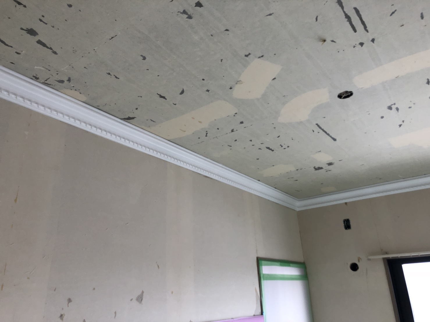 室内の廻縁塗装