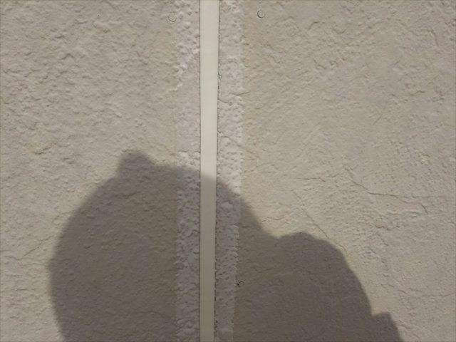 サイディング板間のシーリング