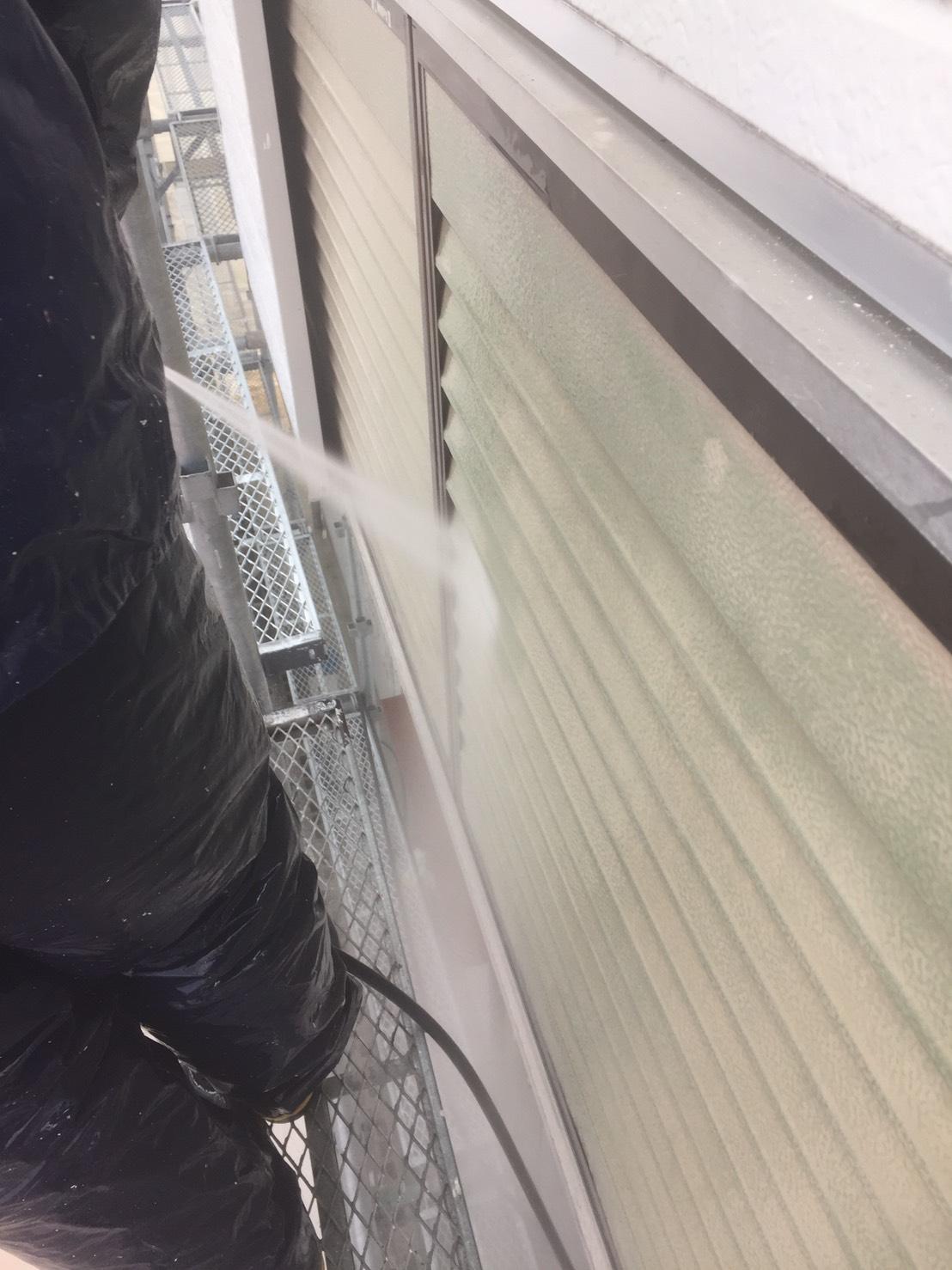 雨戸の洗浄