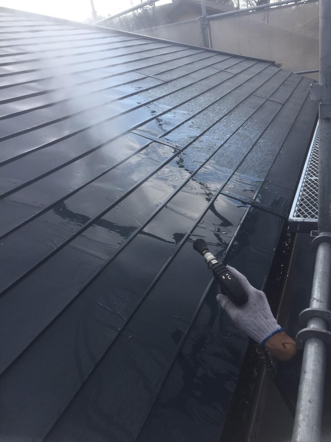 知多郡東浦町にて外壁と屋根の水洗い