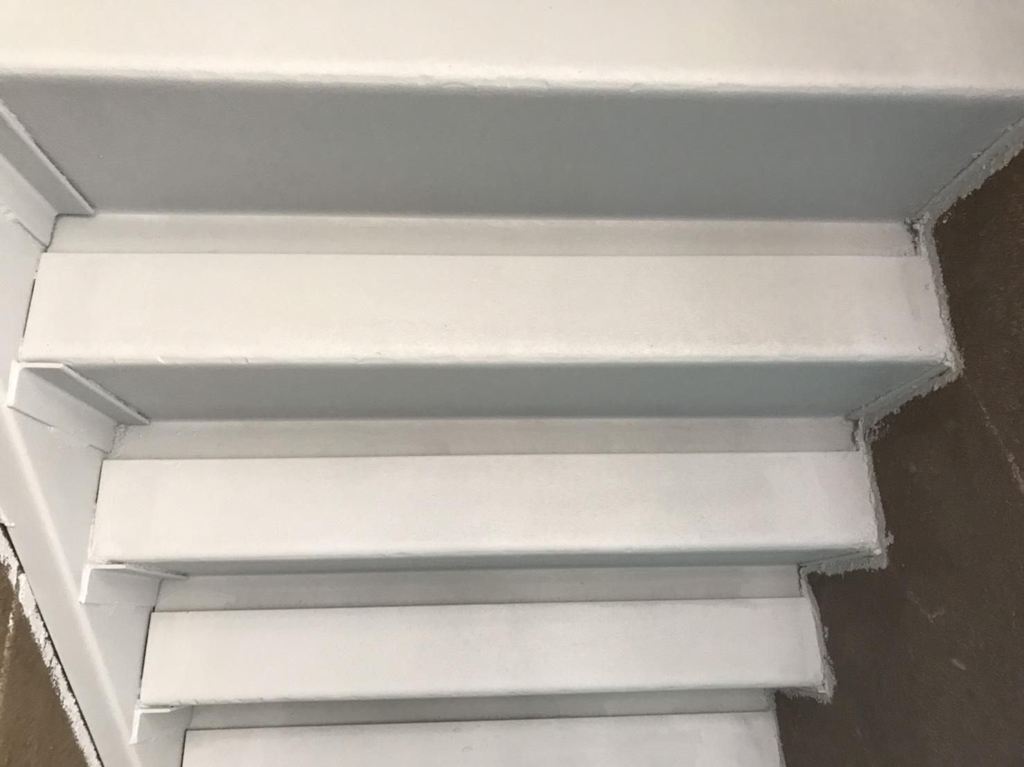 階段の錆止め完了