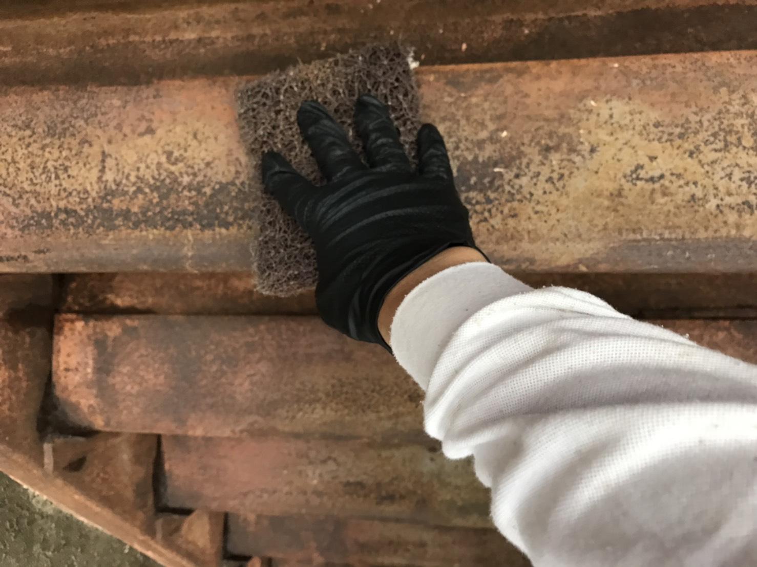 愛知県東海市にて階段と手すりの研磨と錆止め塗装