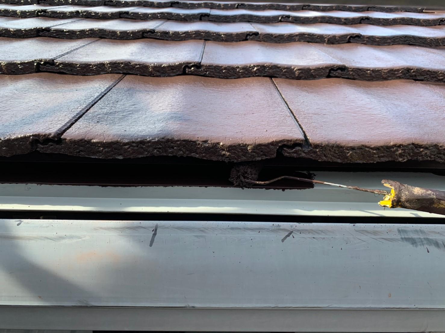 屋根の軒先板金の上塗り