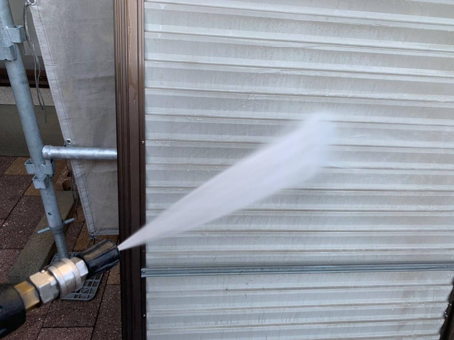 雨戸裏の洗浄